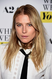 Dree Hemingway wore a messy center-parted hairstyle to the NY premiere of 'While We're Young.'