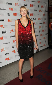 Lucy Punch paired basic black pumps with her fab dress.
