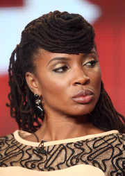 Shanola Hampton sported a very artfully done dreadlock hairstyle at the Winter TCA Tour.