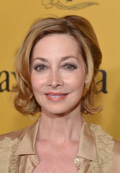 Sharon Lawrence looked glam with her short curls at the 2014 Crystal + Lucy Awards.