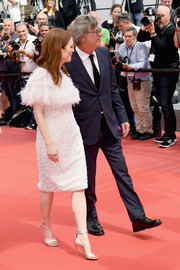 Julianne Moore paired her dress with silver ankle-strap sandals by Gianvito Rossi.