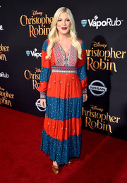 Tori Spelling looked cute in a paneled maxi dress at the world premiere of 'Christopher Robin.'