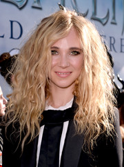 Juno Temple rocked disheveled curls during the premiere of 'Maleficent.'