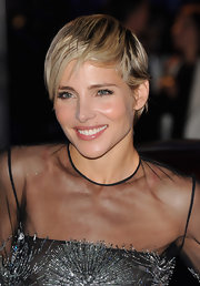 Elsa Pataky chose a subtle side-sweep for her adorable pixie.