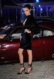 Gal Gadot kept the sultry vibe going with a pair of strappy black pumps.