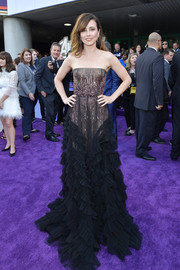 Linda Cardellini made a grand entrance in a strapless two-tone gown by J. Mendel at the world premiere of 'Avengers: Endgame.'