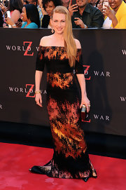 Mireille stunned in an abstract-print, off-the-shoulder dress at the 'World War Z' premiere in NYC.