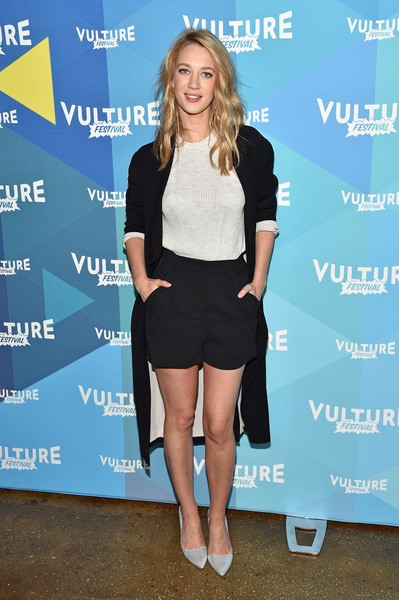 Yael Grobglas Short Shorts [clothing,fashion,shoulder,dress,footwear,leg,joint,shorts,cocktail dress,electric blue,yael grobglas,jane the virgin,new york city,milk studios,vulture festival,panel discussion,2017 vulture festival]