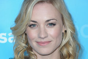 Yvonne Strahovski Medium Curls