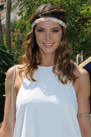 Ashley Greene looked breathtakingly beautiful with her long curls at the ZOEasis event.
