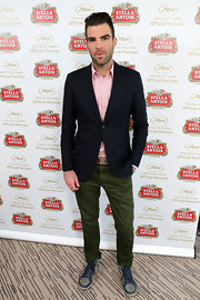 Zachary Quinto chose a classic blazer to pair over his button down and chinos.