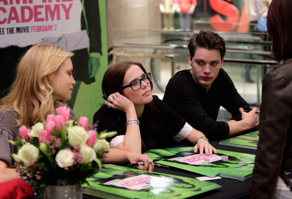 Zoey Deutch Silver Ring [vampire academy,movie,plant,table,games,recreation,art,job,flower,floristry,fans,lucy fry,dominic sherwood,zoey deutch,fans,cast,houston,texas]