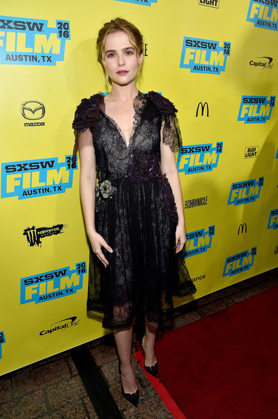 Zoey Deutch Lace Dress [everybody wants some,clothing,dress,cocktail dress,carpet,premiere,flooring,fashion,little black dress,red carpet,event,zoey deutch,screening,paramount theatre,austin,texas,sxsw music,film interactive festival]