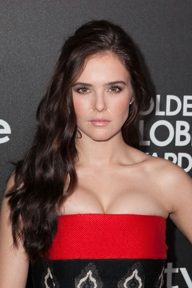 Zoey Deutch Side Sweep [hair,face,lip,hairstyle,eyebrow,long hair,beauty,chin,brown hair,premiere,zoey deutch,fig,olive melrose place,west hollywood,california,hollywood foreign press association,instyle celebrates,season,golden globe awards]