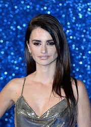 Penelope Cruz wore her hair long and straight at the 'Zoolander No. 2' London fan screening.