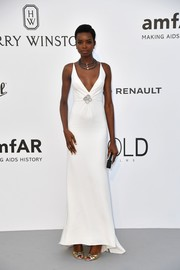 Maria Borges' white Carolina Herrera gown at the amfAR Gala Cannes 2017 looked oh-so-elegant in its simplicity!