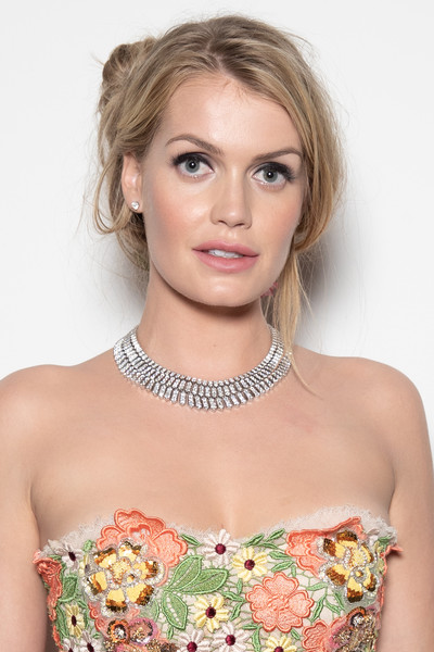 Kitty Spencer flaunted a dazzling diamond collar necklace by Bulgari.