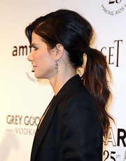 Sandra Bullock wore her hair in a casual low ponytail at amfAR's Inspiration gala.