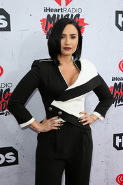 Demi Lovato's pointy nails at the iHeartRadio Music Awards looked like dangerous (albeit stylish) weapons.