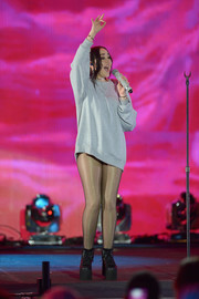 A pair of chunky black wedge boots rounded out Noah Cyrus' look.