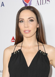 Whitney Cummings sported a super sleek 'do at the mothers2mothers and Elizabeth Taylor AIDS Foundation benefit dinner.