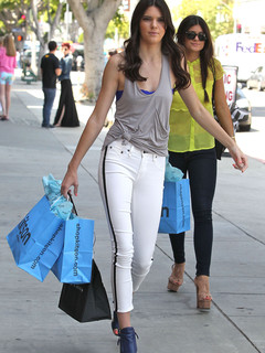 Kendall Jenner Anorexic on Sienna Miller Or Kendall Jenner   Who Has The Best Skinny Jean Style