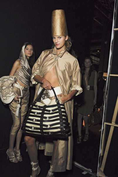 Aigner at Milan Spring 2008 (Backstage)