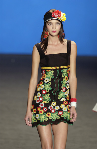 Anna Sui at New York Spring 2003