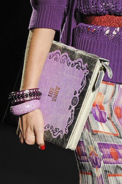 Anna Sui Spring 2012 - Details