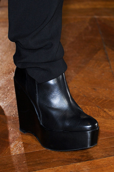 Anne Valérie Hash Fall 2012 - Details