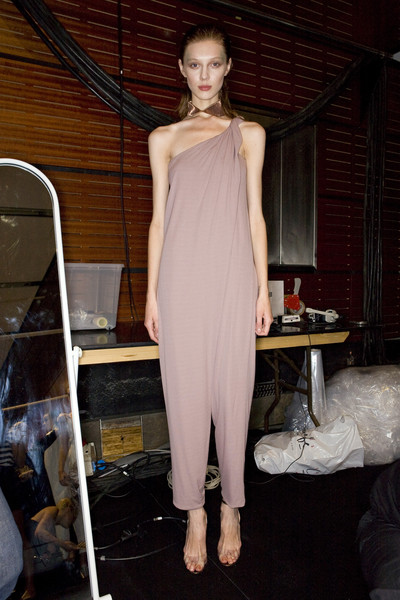 Anne Valérie Hash Spring 2009 - Backstage
