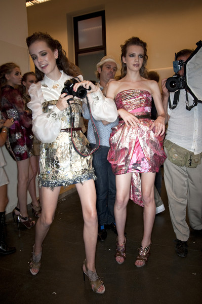 Aquilano.Rimondi at Milan Spring 2010 (Backstage)