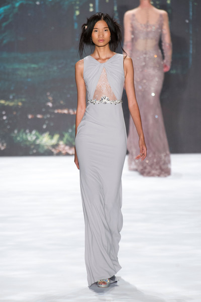 http://www2.pictures.stylebistro.com/it/Badgley+Mischka+Spring+2013+RE2qgleLygdl.jpg