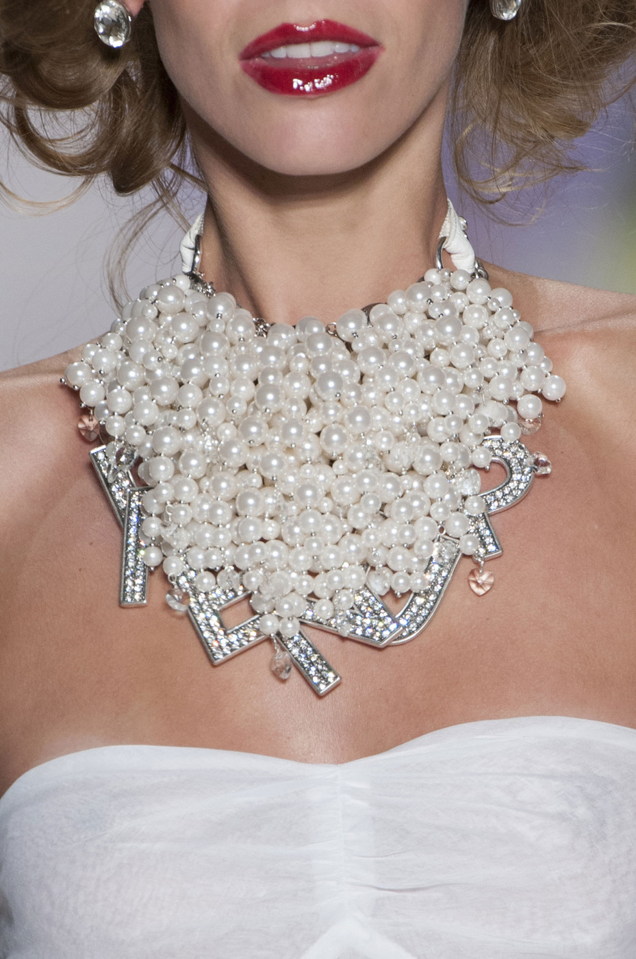 Plethora Of Pearls At Betsey Johnson Best Jewelry From New York Fashion Week Spring 2015