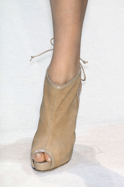 Collette Dinnigan Spring 2009 - Details