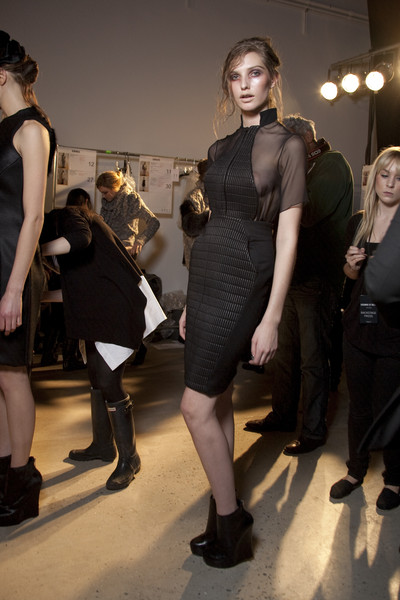 Cushnie et Ochs Fall 2010 - Backstage