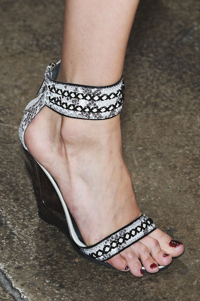 Donna Karan at New York Spring 2012 (Details)