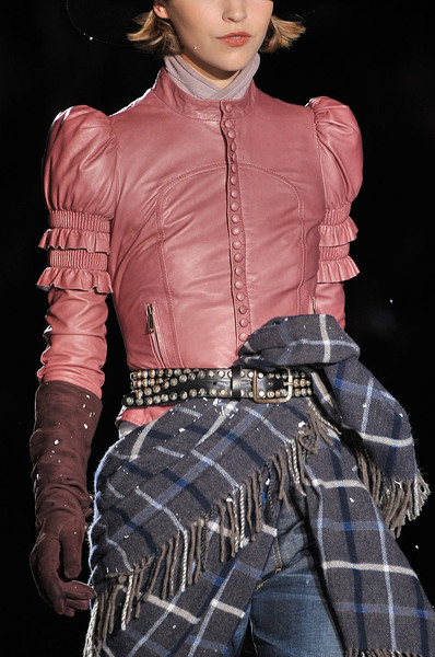 Dsquared² Fall 2011 - Details