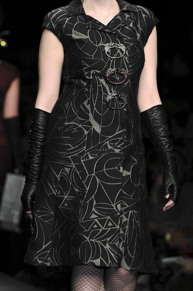 Elena Miro at Milan Fall 2010 (Details)
