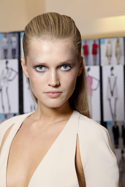 Gianfranco Ferré Spring 2012 - Backstage