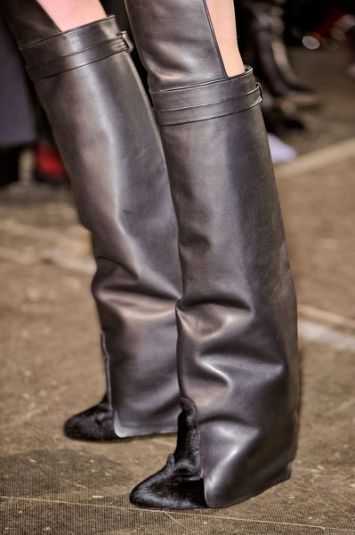 Givenchy Fall 2012 - Details
