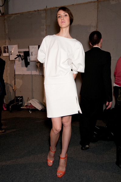 Guy Laroche at Paris Spring 2011 (Backstage)