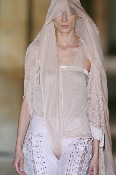 Haider Ackermann at Paris Spring 2006 (Details)