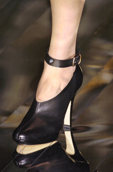 Hussein Chalayan Fall 2005 - Details