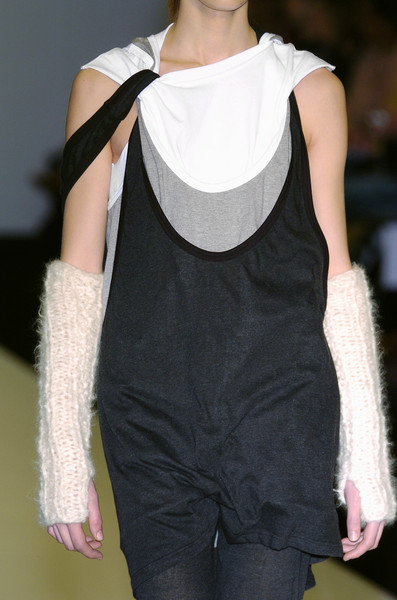 Jens Laugesen Fall 2005 - Details