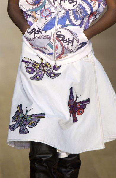 Jeremy Scott Fall 2005 - Details