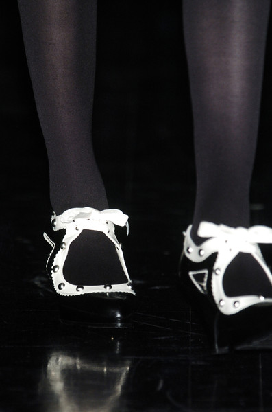 Josep Font at Paris Fall 2006 (Details)