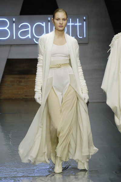 Laura Biagiotti Fall 2006