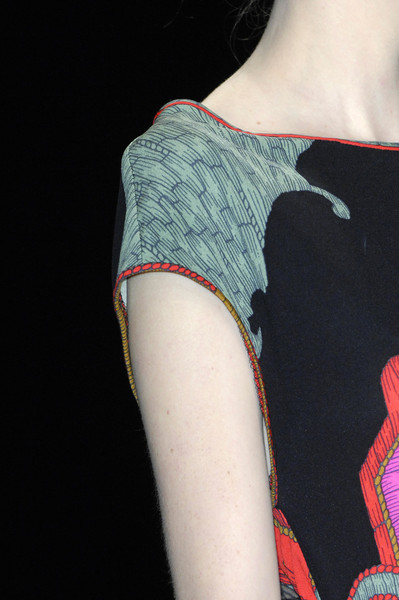 Leonard at Paris Fall 2009 (Details)