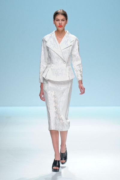 Lie Sang Bong at Paris Spring 2013